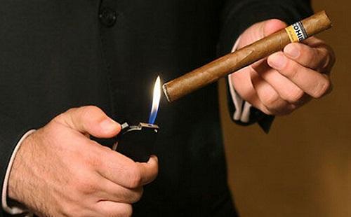 华廷酒窖随笔:抽雪茄方式知多少?