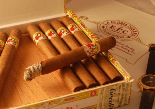 恒温雪茄柜如何养护雪茄?