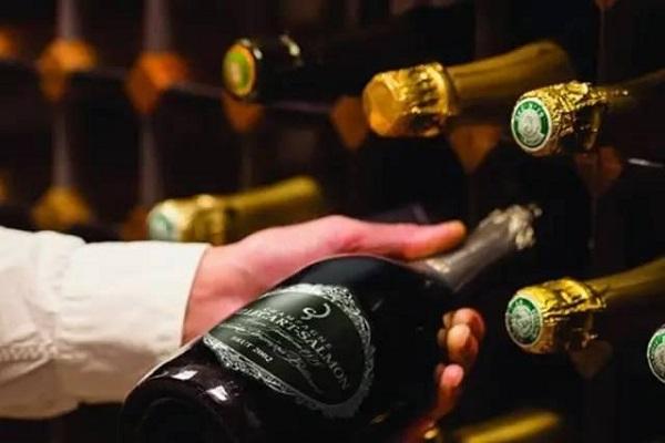 香槟的分类与如何喝香槟