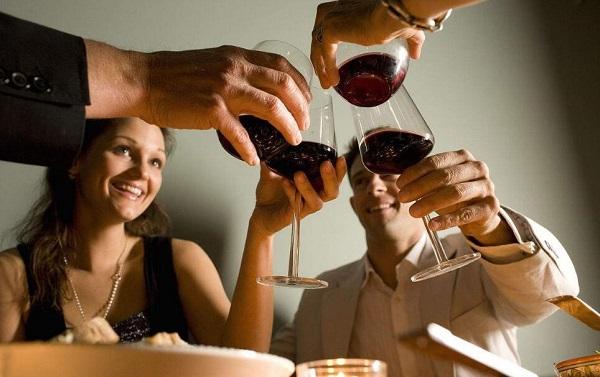 细数酒桌上不受欢迎的人