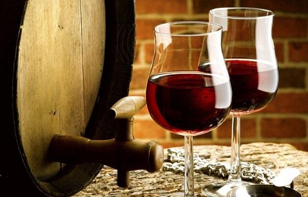 葡萄酒与橡木桶的关系