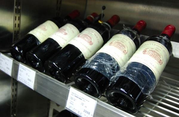 葡萄酒为什么要缠上一层保鲜膜?