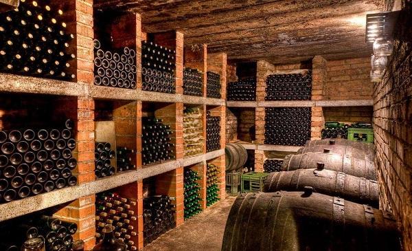 葡萄酒窖藏酒的注意事项