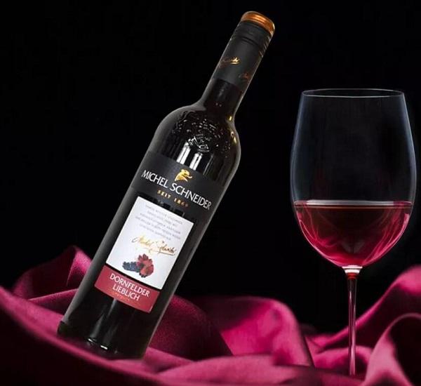 与众不同的甜红葡萄酒