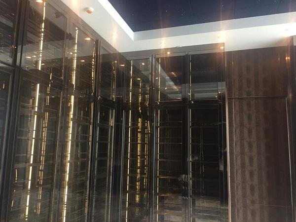 黃浦江畔未來大廈頂層奢華恒溫酒柜、雪茄柜