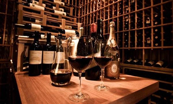 私人酒窖里的葡萄酒橡木塞发霉了怎么办?