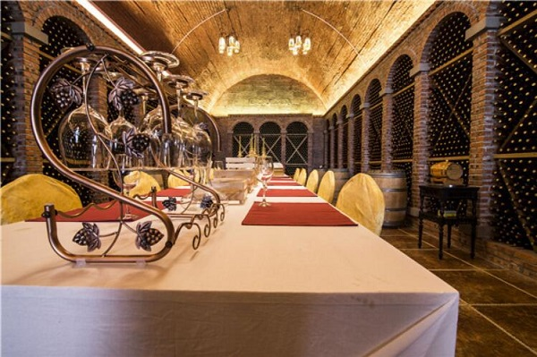 重庆酒窖之神秘防空洞酒窖