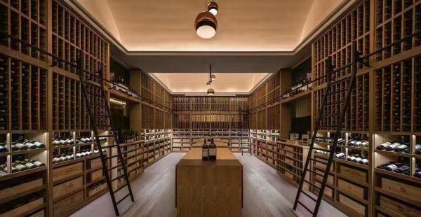 葡萄酒酒窖不同年份的酒为什么价格相差大?