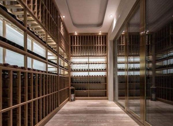 现代风格酒窖介绍