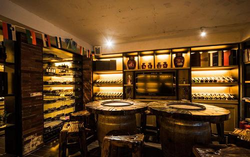 為什么酒窖的酒架要用橡木?