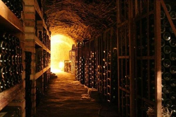说说地窖酒窖和地洞酒窖的问题