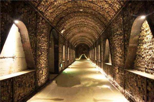 古老神秘的欧洲酒窖
