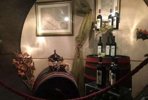匈牙利葡萄酒的小眾酒窖
